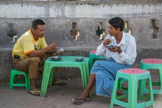 scène de rue Birmanie