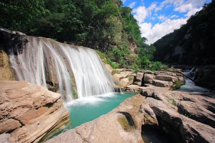 air terjun cascade tanggedu ile sumba indonesie
