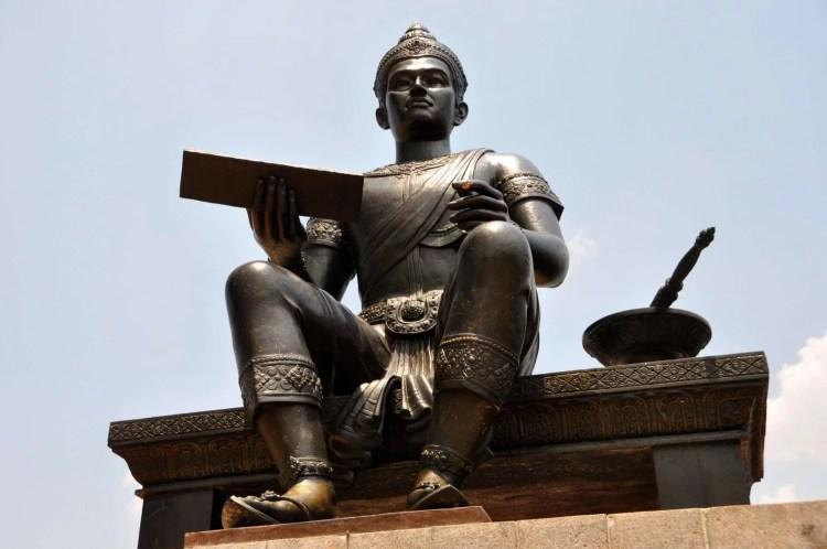 statue du roi ramkhamhaeng sukhothai