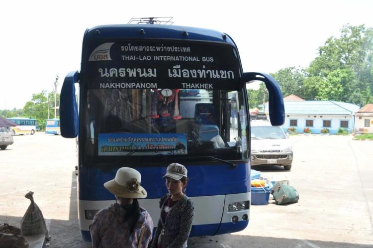 bus transfrontalier lao-thai nakhon phanom - thakhek