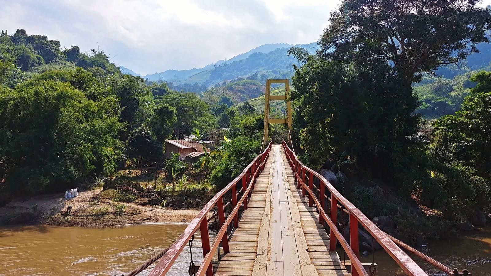 pont suspendu baan cha dae riviere kok - chiang rai