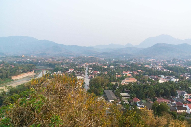 vue luang prabang depuis mont phousi laos