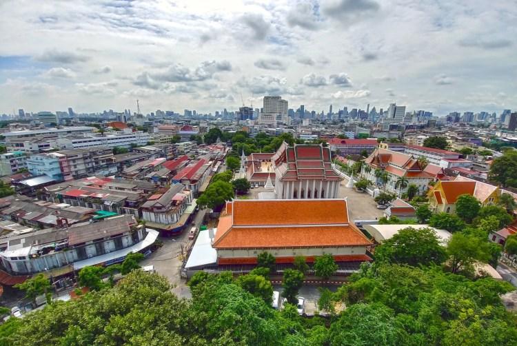 bangkok skyline chedi montagne or wat saket
