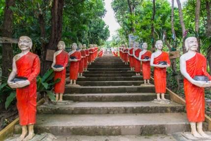 escaliers moines wat kaeo prasert chumphon thailande
