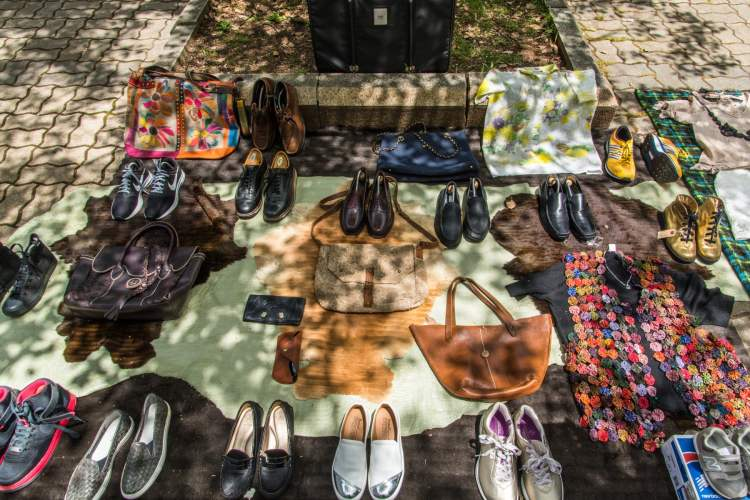 chaussures vetements osaka charity flee market shin-osaka japon
