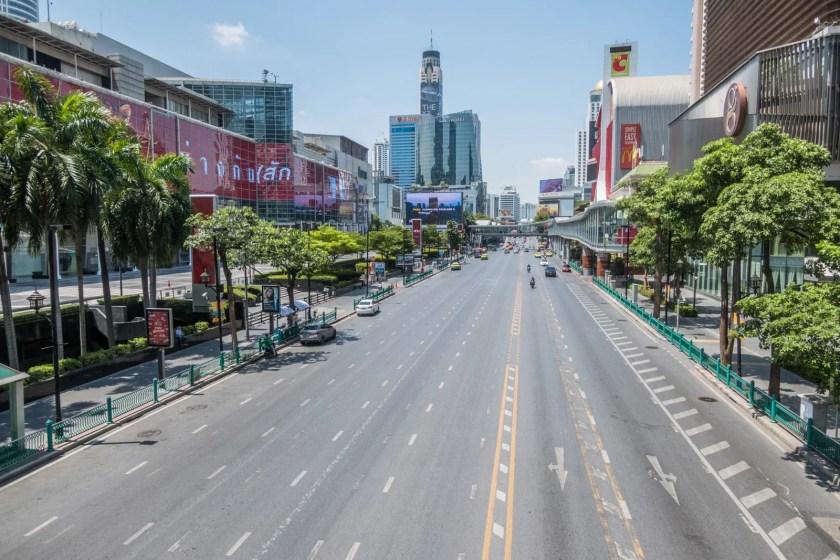 avenue ratchadamri central world vide crise coronavirus bangkok thailande