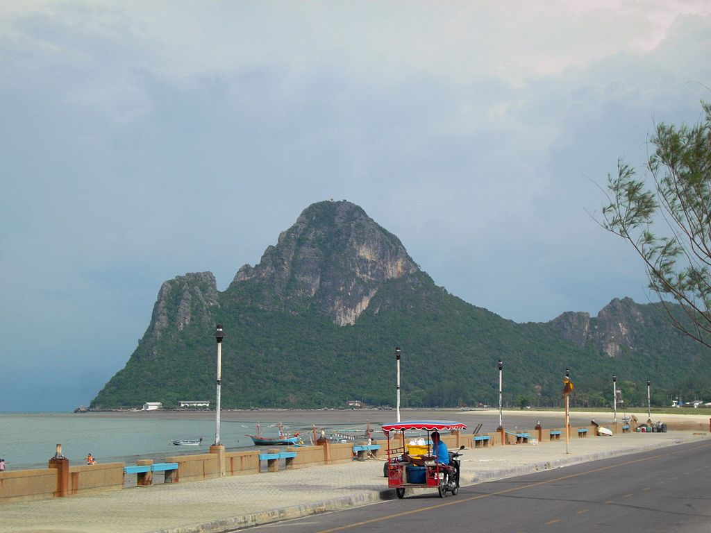 3 wheeled motorcycle in Prachuap Khiri Khan