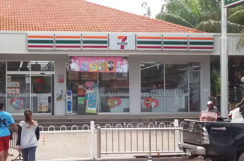 Chonburi residents rush to purchase alcohol as sales open for the first time in weeks