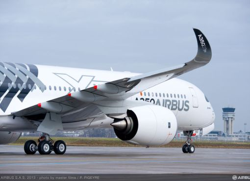 Airbus A350 XWB roll out