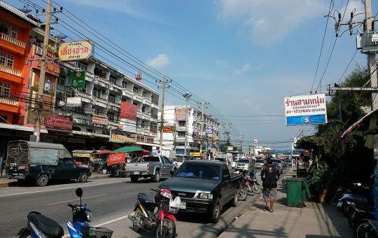 Road in Bang Wua, Bang Pakong District, Chachoengsao
