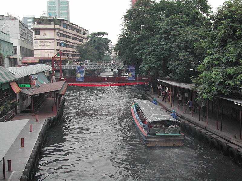 Body of foreigner found in sports bag dumped in Bangkok canal 2