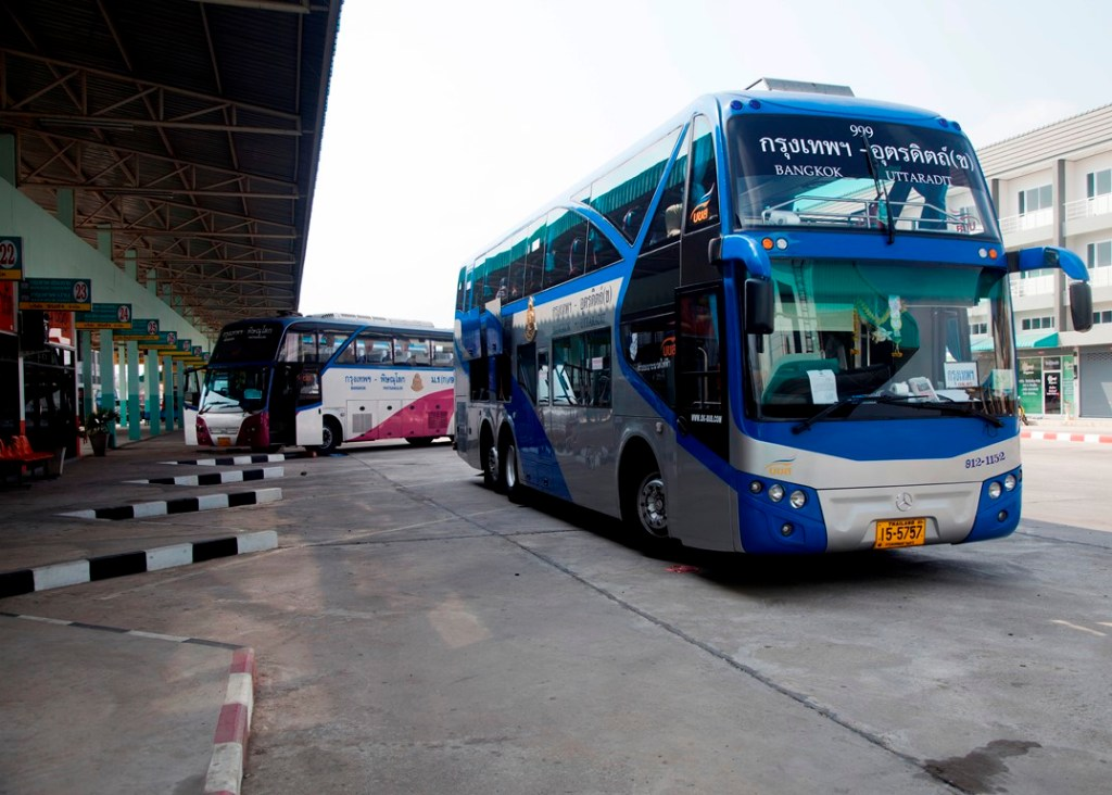 Bangkok-Uttaradit bus in Phitsanulok