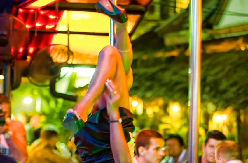 Foreigners at the bar in Ao Nang, Krabi.