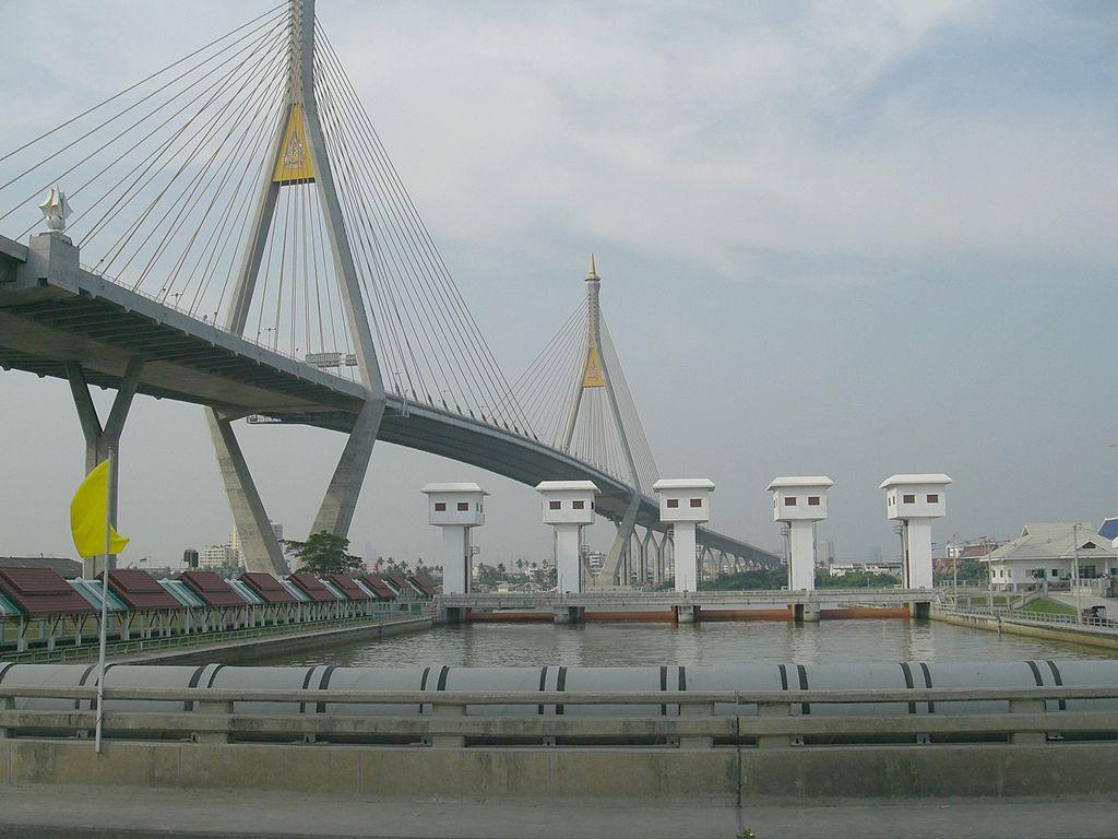 Both Bhumibol Bridges Will Be Partially Closed for Road Resurfacing