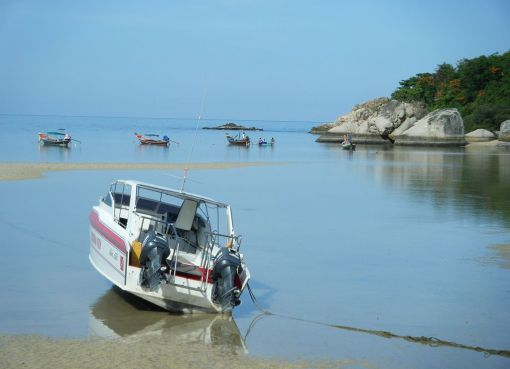Boats on Koh Tao beach