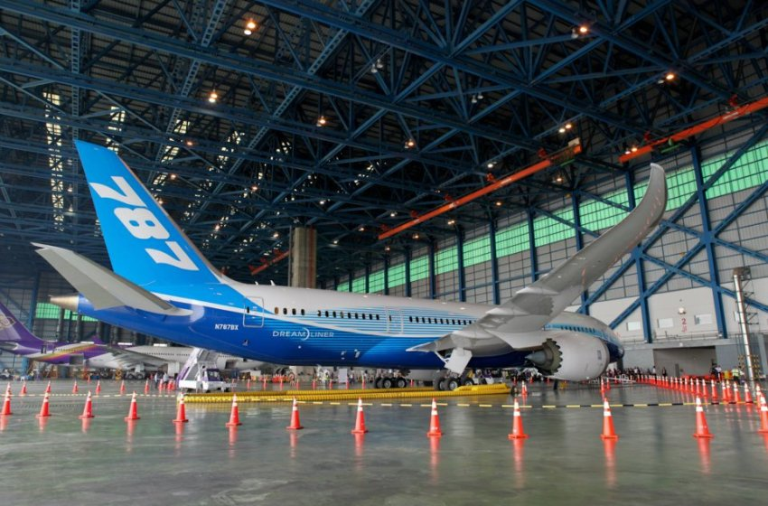 THAI's first 787 Dreamliner arrives home