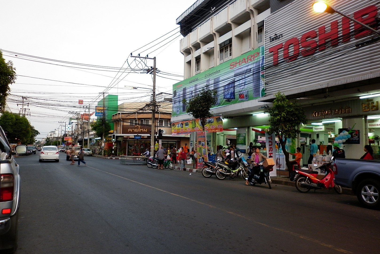 Buri Ram and Bueng Kan impose restrictions on travellers from Red zones