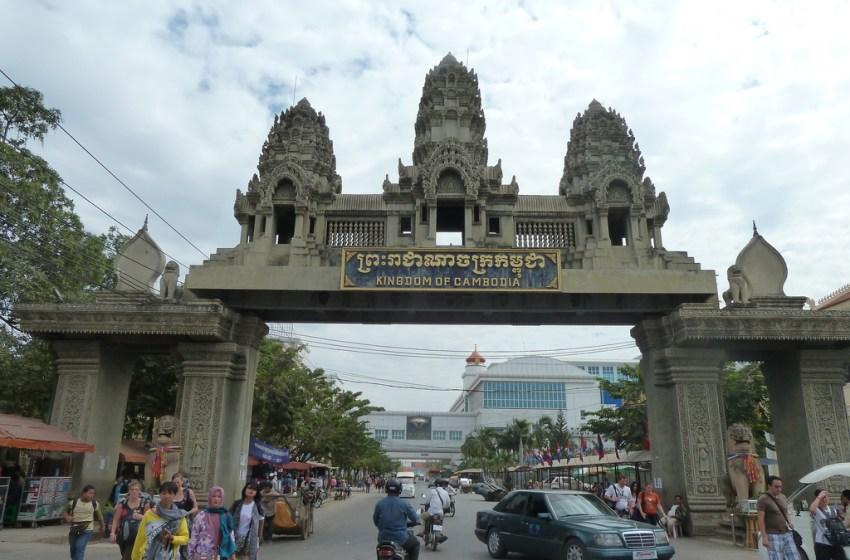 Cambodia Hands Over Thai Prisoners in Call Center Scam Case