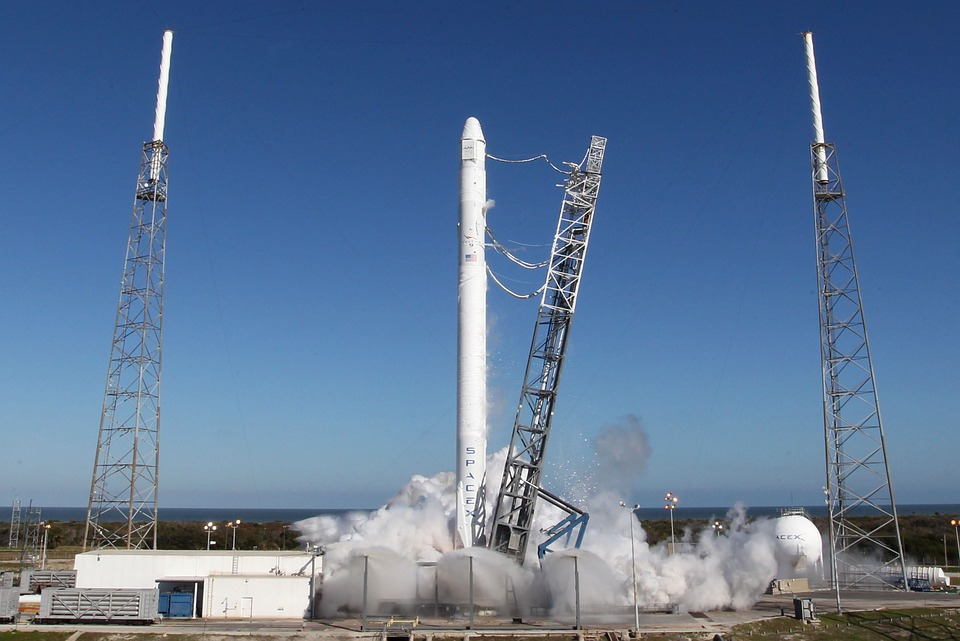 SpaceX successfully launches first manned spaceflight