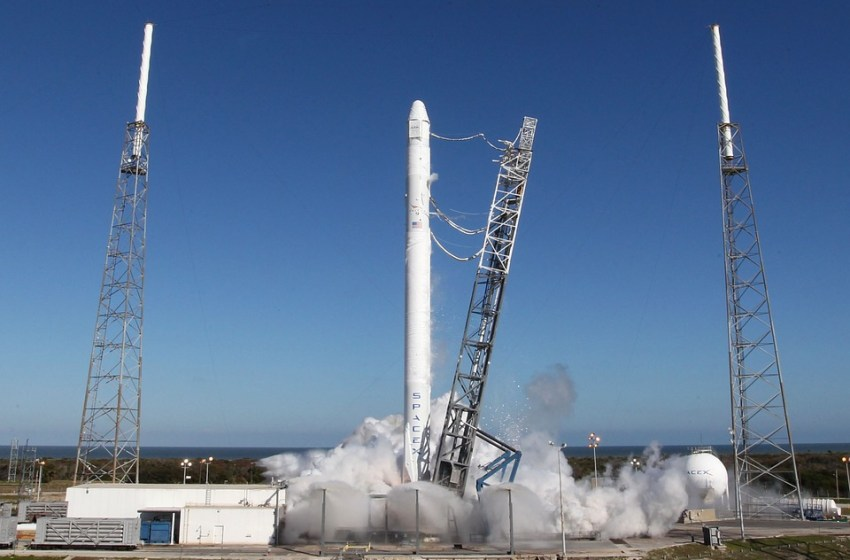 Facebook Confirms $200Mln Internet Satellite Destroyed in SpaceX Explosion