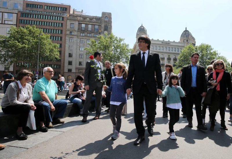 President Puigdemont walking through Barcelona