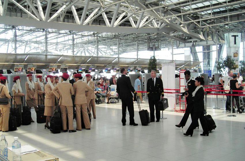 Emirates aircrew at Suvarnabhumi Airport in Bangkok