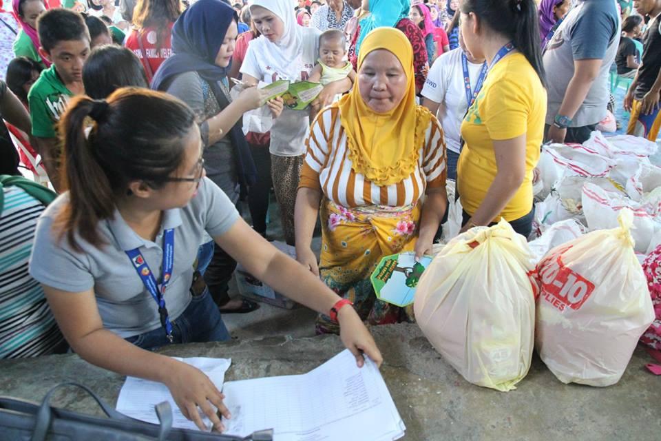 Filipino muslims from Marawi