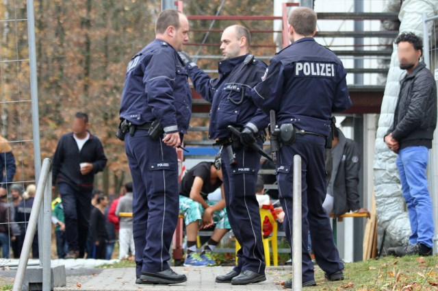 Germany: Several injured in anti-migrant protest condemning murder in Chemnitz