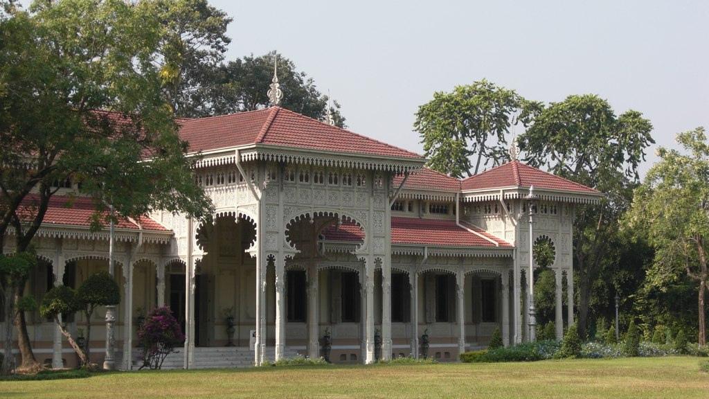 Abhisek Dusit Throne Hall in Bangkok