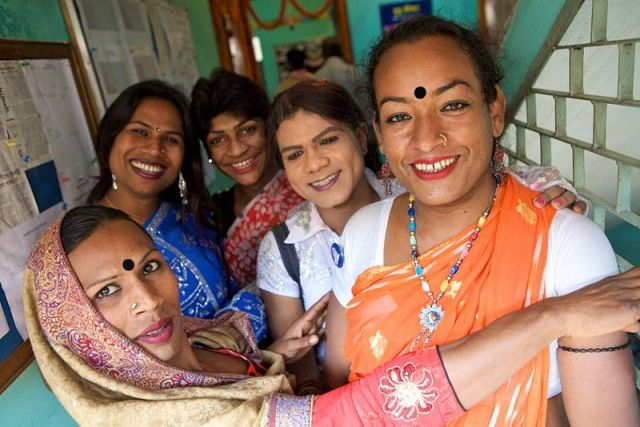 Bangladesh Wants 'Third Gender' Hijras to Serve as Traffic Police