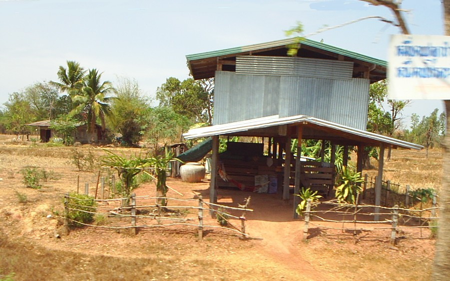 "CCSA ""farm hut"" quarantine model in Thailand's northeast questioned"