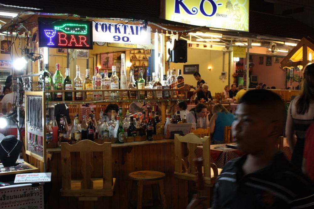 Hua Hin night market bar