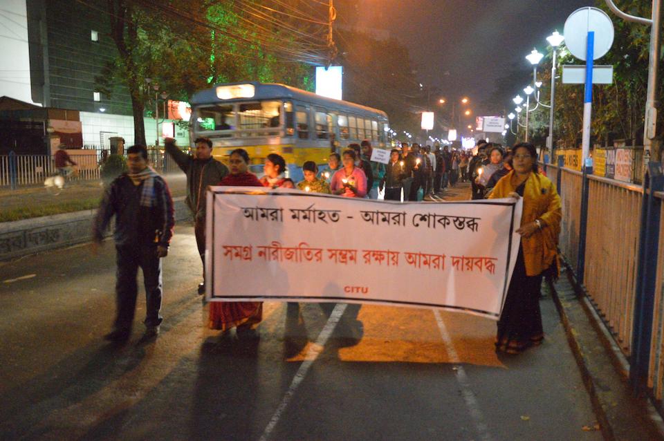 Candlelight rally held in Kolkata, against gang rape