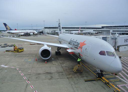 Jetstar Boeing 787 at Sydney Airport