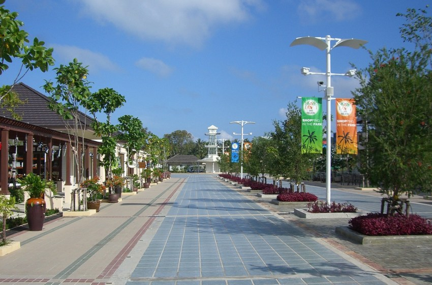 Koh Samui Airport shopping area