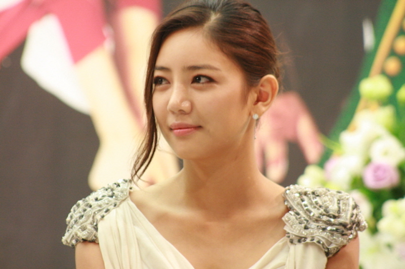Korean Actress Eats just 3 Spoons of Rice Per Day to