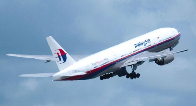 Malaysia Airlines Boeing 777 plane goes missing while traveling to China