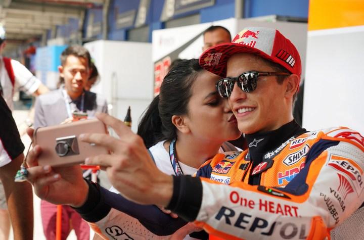 Marc Márquez taking a selfie during the MotoGP Grand Prix in Buri Ram