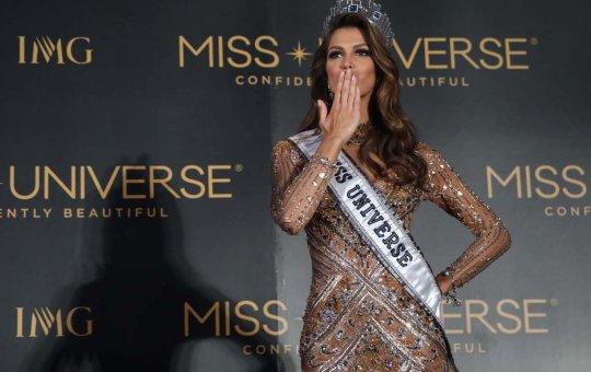 Miss Universe 2016 Iris Mittenaere in Pasay