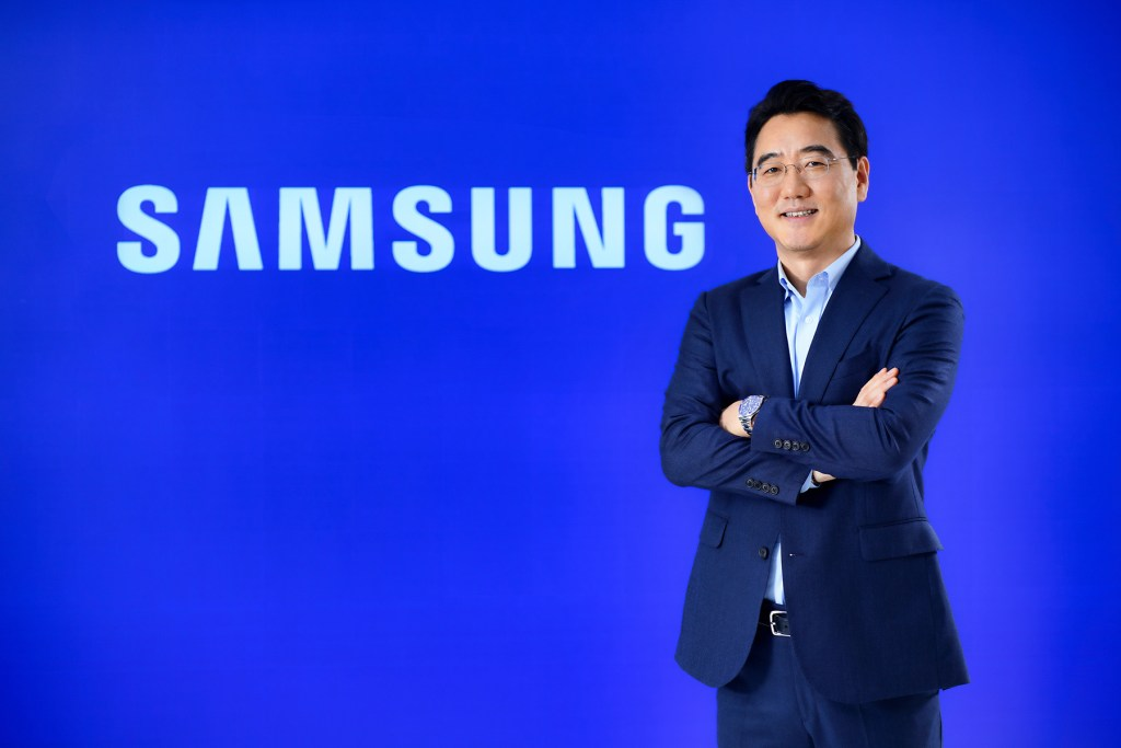 Mr. Harry lee, President of Samsung Electronics Co. Thailand