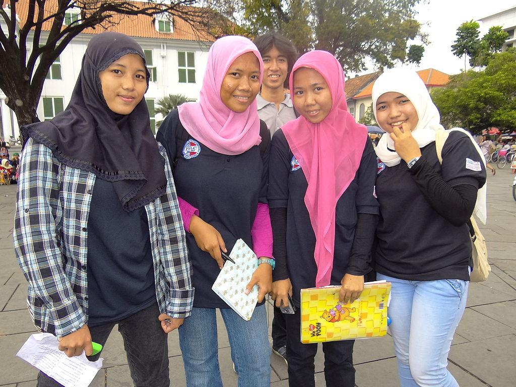 Muslim girls in Jakarta, Indonesia