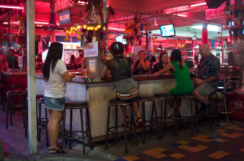 COVID-19: Pattaya pub raided, broke curfew