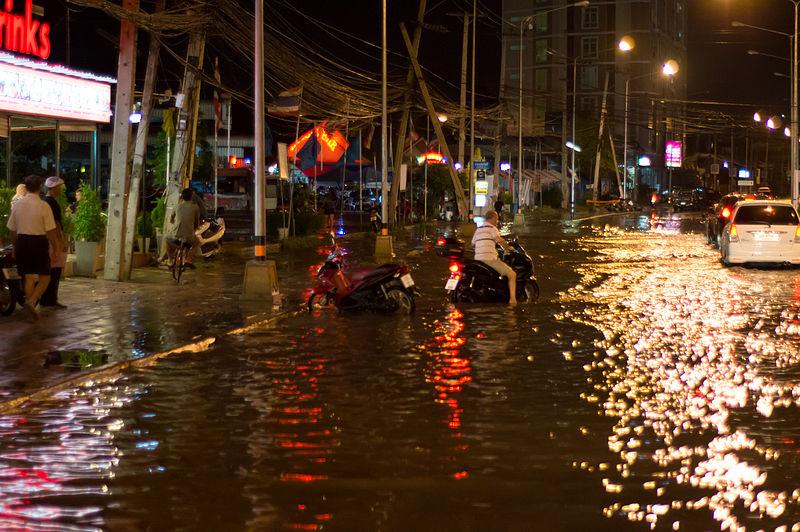 Heavy rain brings flooding to Pattaya and Banglamung