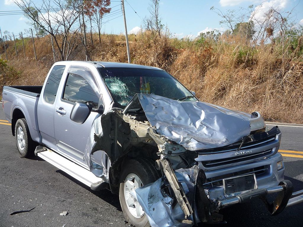 Crashed Isuzu D-Max pickup