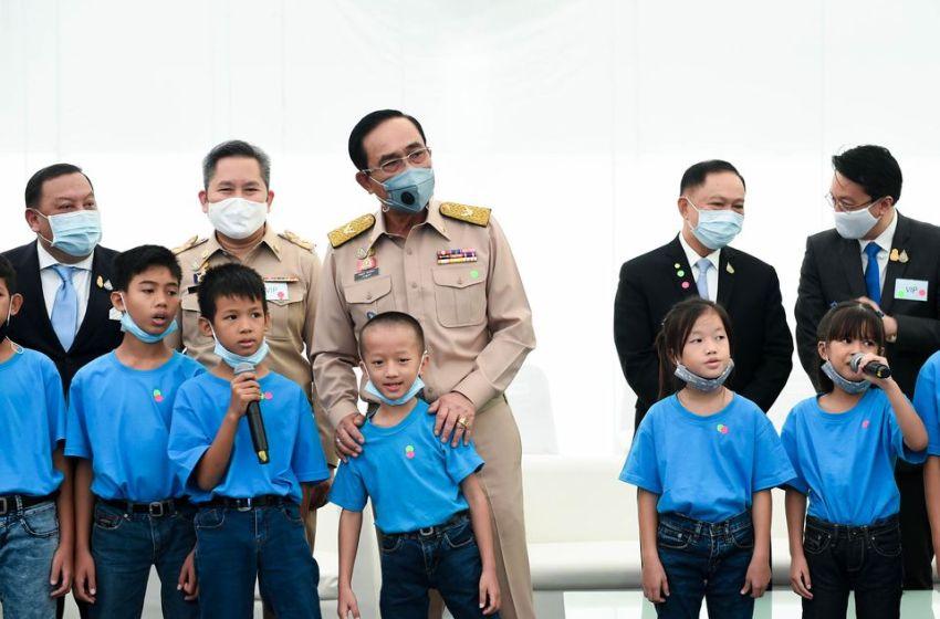 PM Prayut backs return of tourists to Thailand