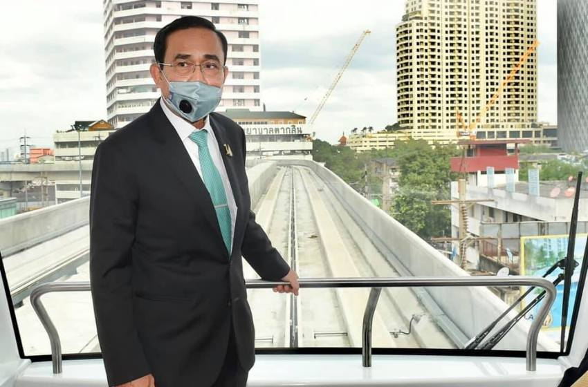 Prayut warns businesses not to hire illegal migrant workers or face closure