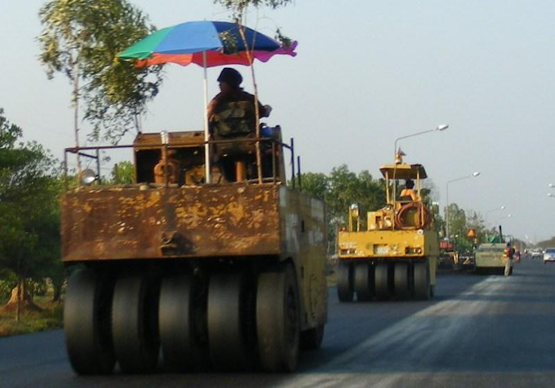 Road construction asphalt paving machines
