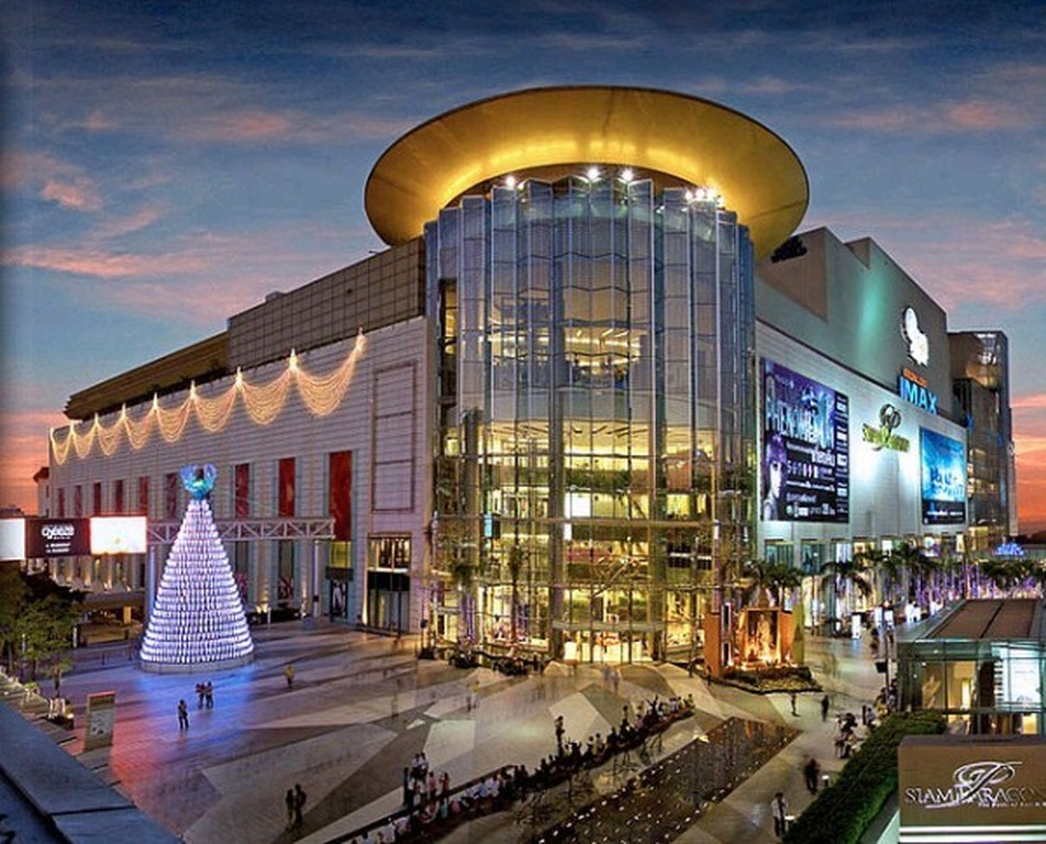 Siam Paragon luxury shopping center in Bangkok