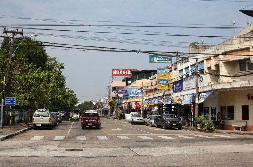 Ubon Ratchathani: Health official stole cars because his tour business had failed