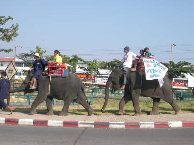 Buriram communities attract tourists with new displays